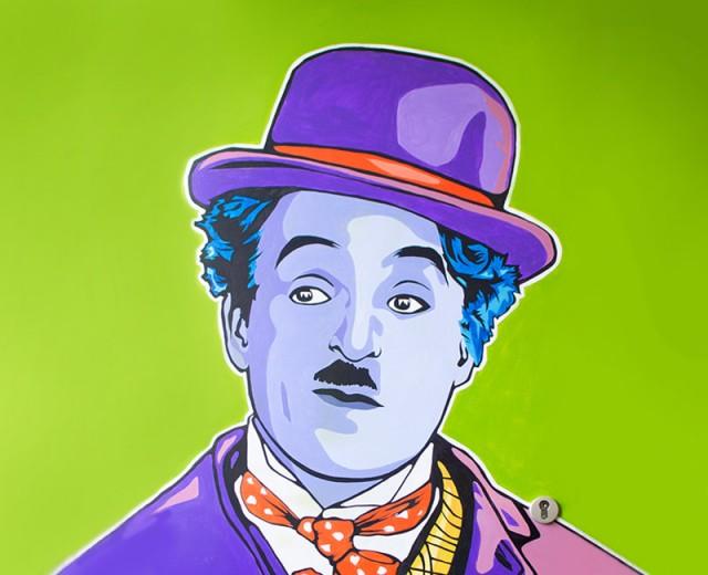Charlie-Chaplin-Graffiti-Dragomie